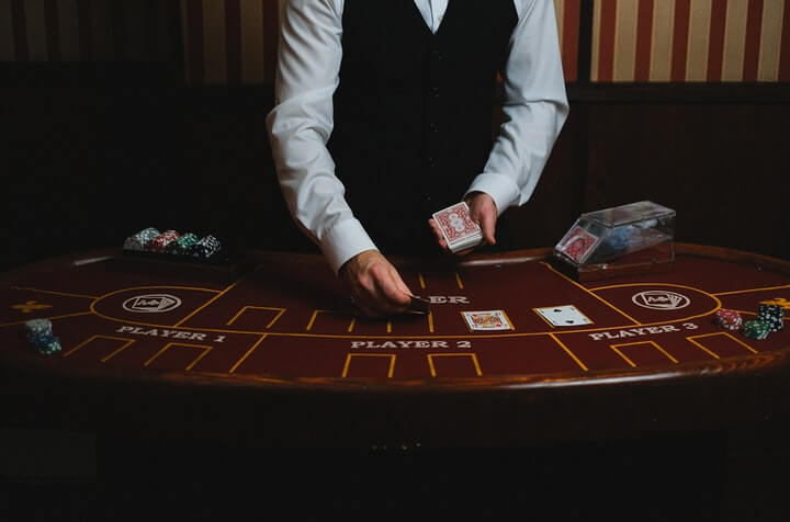 how to play poker guide featured image
